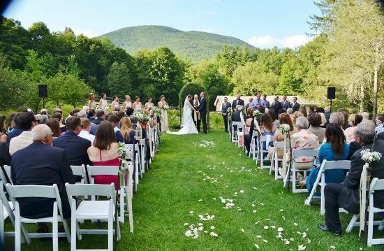 West Mountain Inn: a summer wedding