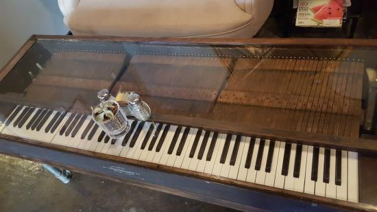 Merveilleux The Mine Cafe: Piano Keyboard Coffee Table!