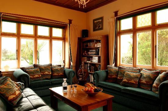 Holly Homestead B&B: Holly Homestead Guest Lounge