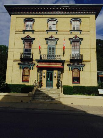 Hotel Carlyle & Restaurant: The Carlyle Inn