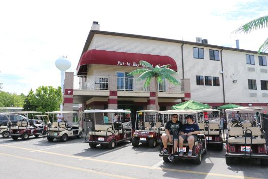 Put-in-Bay Resort Hotel and Conference Center: Room & Golf Cart Package!
