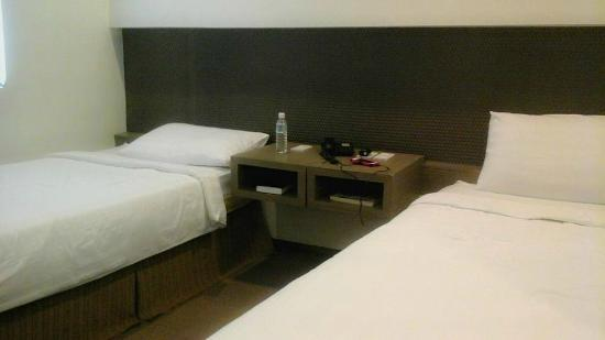 Magallanes Square Hotel : twin sharing room