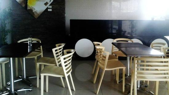 Magallanes Square Hotel : common living room