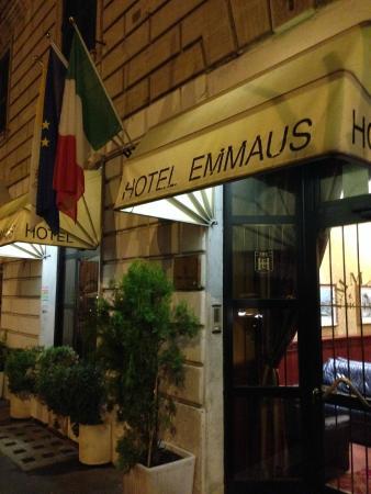 Emmaus : Отель