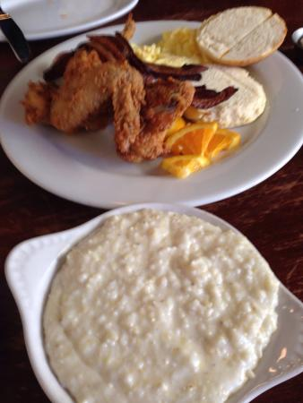 Luka's Taproom & Lounge: Fried chicken and eggs, ginger beer, mango spritzer