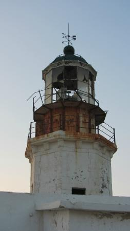 how to get to armentis lighthouse mykanos