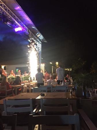 Een Verjaardag Word Super Leuk Gevierd Picture Of Liman Restaurant