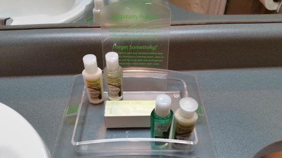 Holiday Inn West Kelowna: The usual Bath & Body Works Coconut Lime Verbena toiletries at Holiday Inn hotels.