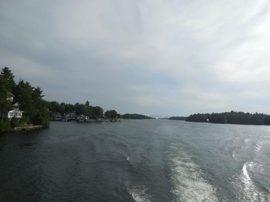 Gananoque, Canadá: Gün batımında Saint Lawrence nehri