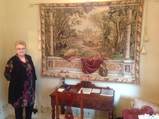 Thorngrove Manor Hotel: A tapestry in the Kings Chamber
