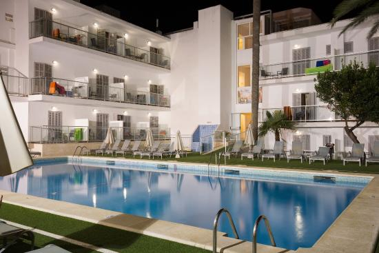 Eix Alcudia Hotel - Adults Only (Port d'Alcudia, Spanien) - Hotel - anmeldelser - sammenligning ...