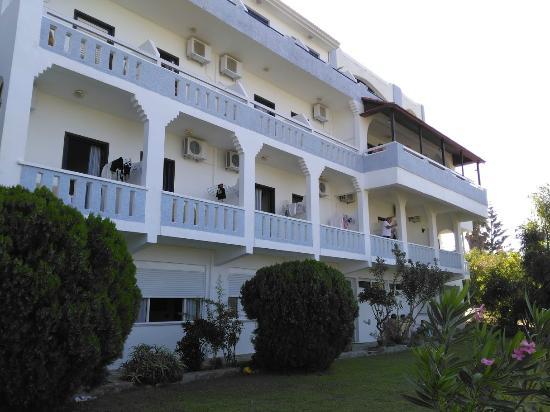Hotel Lofos : pohled ze zahrady
