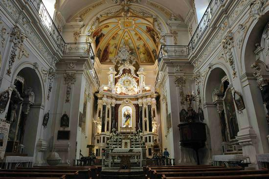 Ispica, Italy: Interno chiesa