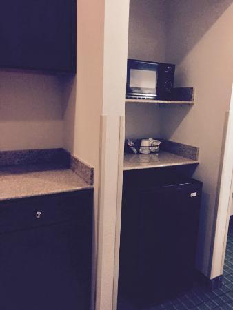 Hampton Inn Manning: Microwave/mini fridge.