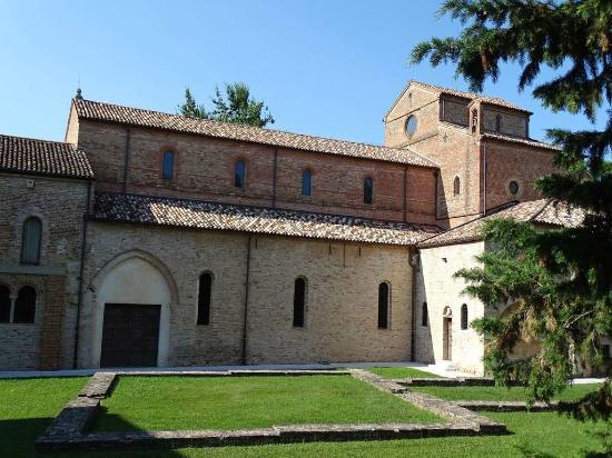 Abbazia Benedettina Santa Maria in Silvis
