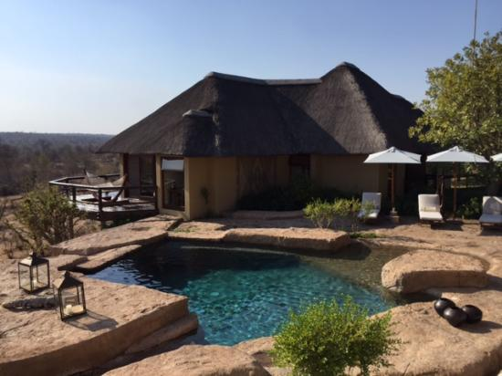 Klaserie Private Game Reserve, Jihoafrická republika: Our room/unit next to the pool... a dream come true!