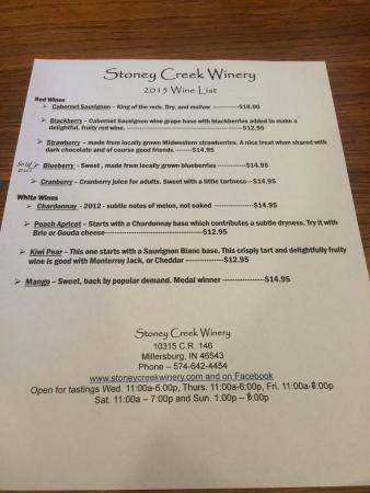 Millersburg, Ιντιάνα: Wine list and tasting room