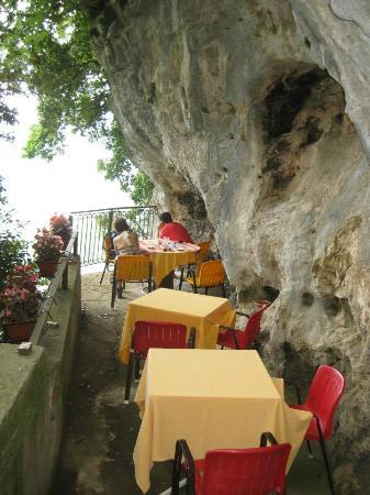 Villa Sofia Bed and Breakfast : Trattoria degli Dei restaurant in Nocelle