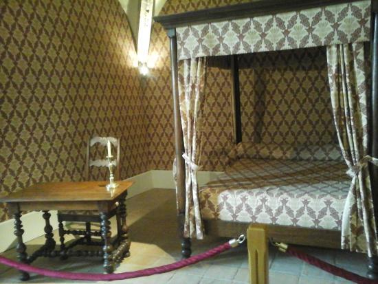 chambre d 39 h l ne de tournon photo de chateau musee de tournon sur rhone tournon sur rhone. Black Bedroom Furniture Sets. Home Design Ideas