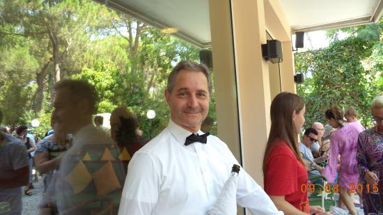 Hotel Condor: vincenzo ....il direttore tuttofare....
