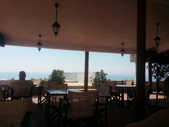Black Rocks Seaside Restaurant Bar