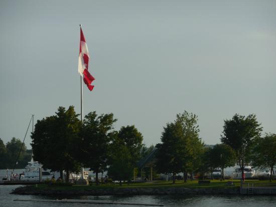 Гананок, Канада: Her ülke bayrağı saygıyı hak ediyor