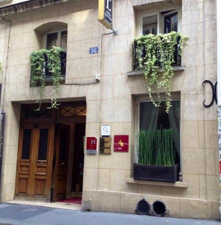 Hotel Opera Maintenon: vue extérieure / outside view