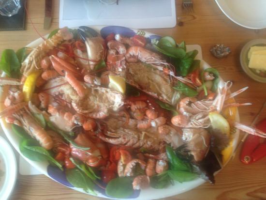 Laphroaig, UK: Seafood platter!