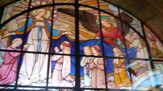 Catedral Nossa Senhora do Amparo: Vitral