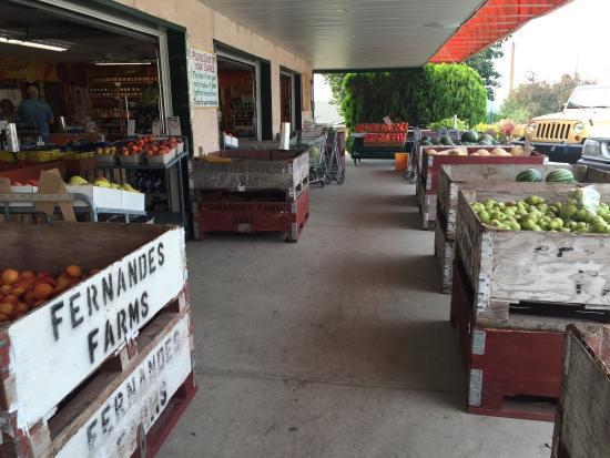 Fernandes Fruit Market