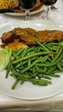 Pantin, France : Epaule d'agneau haricots verts.