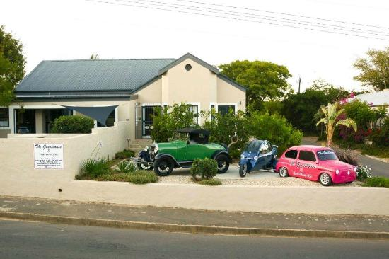The Guesthouse at Kopke Classic Cars Hotel