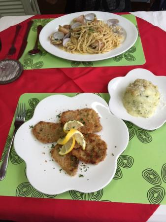Volare - Hua Hin: Linguine & Clams, Crumbed Pork Cutlet & Mash