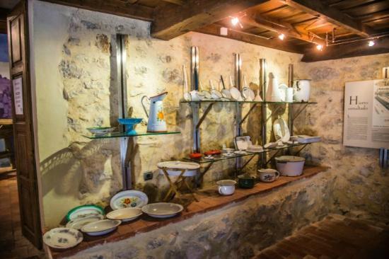 Museo Etnográfico Oriente Asturias: Utensilios