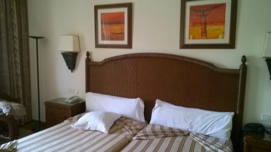Hotel Riu Karamboa: lit