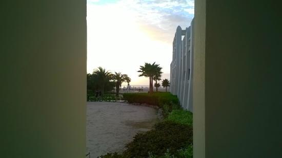 Hotel Riu Karamboa: vue de la chambre au rdc