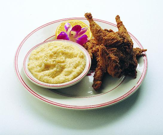 Huggin' Molly's: Fried Quail with Grits