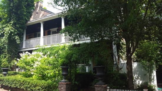 Porches on the Towpath : Scenic & serene