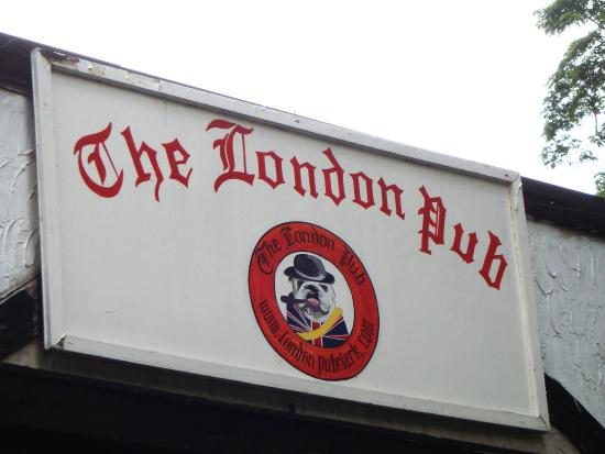 The London Pub: Signboard