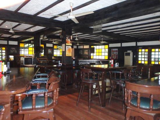 The London Pub: Pub room