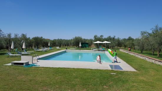 La Papessa: vue de la piscine