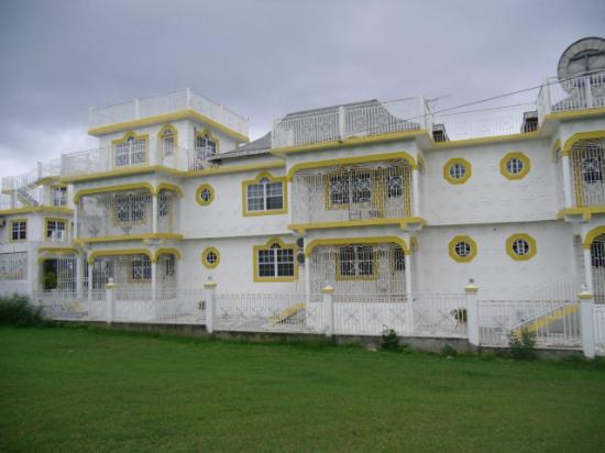 Star Castle Guest House : Beautiful outside view of Star Castle Westmoreland Jamaica