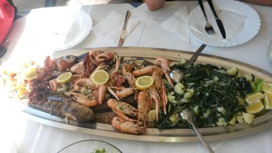 Konoba Ivo: squids, shrimps and mixed fish