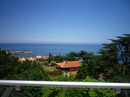 Apartamentos Mar Comillas: vistas desde el balcon del apartamento.