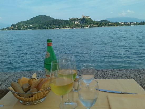 Restaurant La Piazzetta : La vista dal nostro tavolo