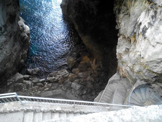 Bilde fra Santuario della Santissima Trinità - Della Montagna Spaccata