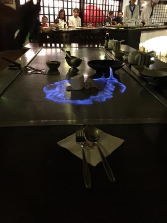 Daitokai Restaurant: flambiertes Eis