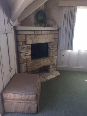 Mission Ranch: Fireplace