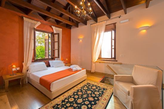 Rodos Niohori Elite Suites Boutique Hotel: Jasmin Suite The Bedroom on the 1st floor