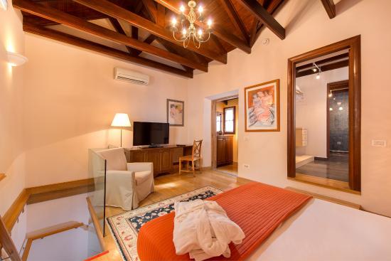 "Rodos Niohori Elite Suites Boutique Hotel: Jasmin Suite "" The Bedroom on the 1st floor"